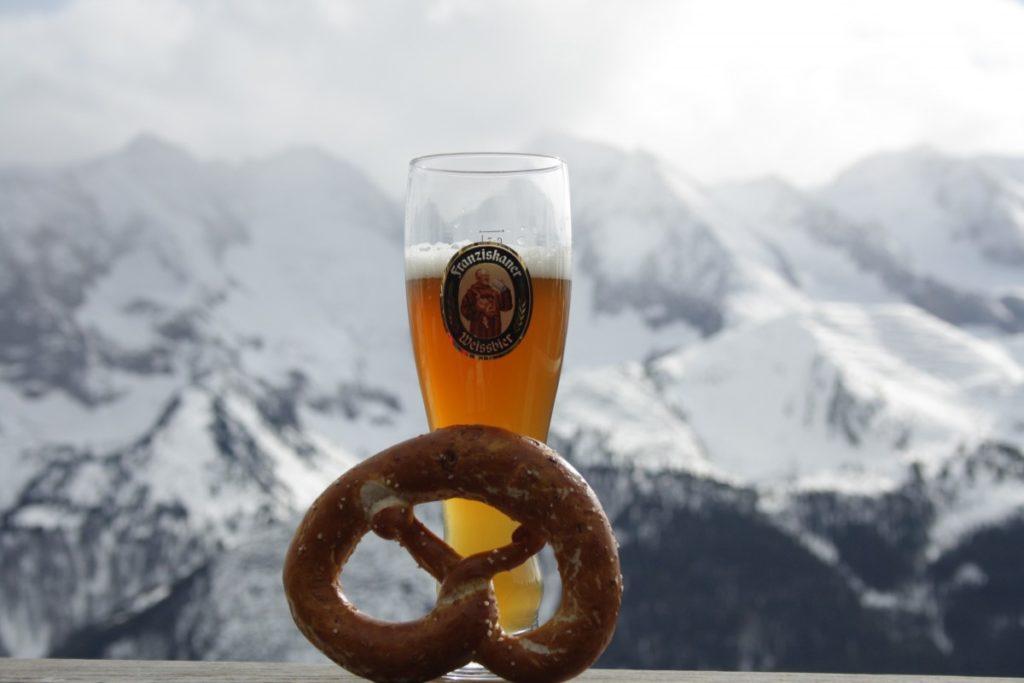 pretzel salt on ski tracks